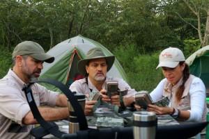 25 Preparando la expedición por la mañana