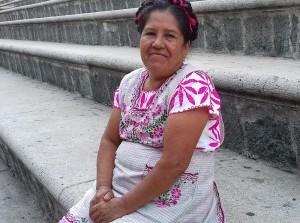 Gladys Hortencia Calvo García, originaria de Villa Sola de Vega, región de la Sierra Sur, Oaxaca.